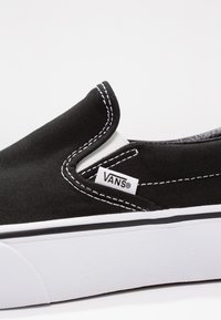 Vans - CLASSIC PLATFORM - Slip-ons - black - 2