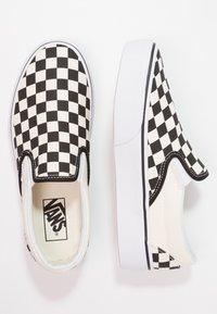 Vans - CLASSIC PLATFORM - Półbuty wsuwane - black/white - 6