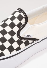 Vans - CLASSIC PLATFORM - Mocasines - black/white - 2