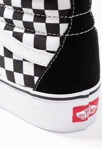 Vans - SK8 PLATFORM 2.0 - Zapatillas altas - black - 2