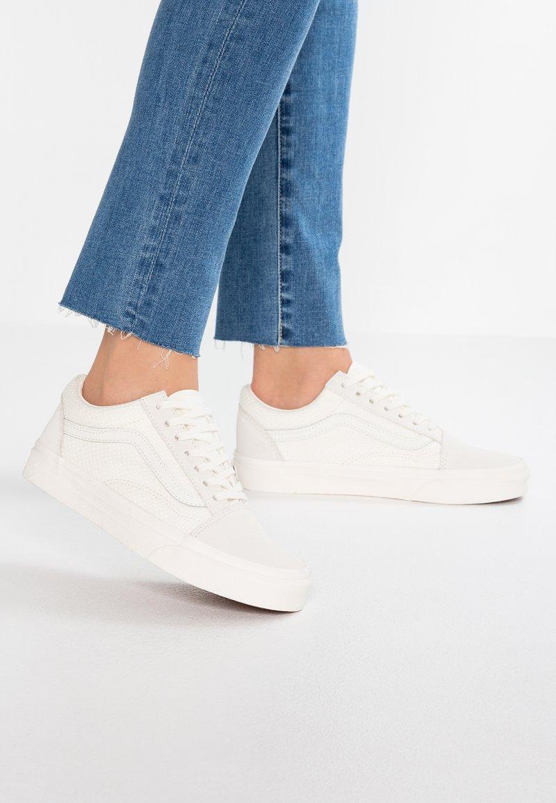 Vans - OLD SKOOL - Sneaker low - marshmallow/snow white