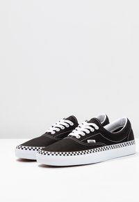 Vans - ERA - Sneaker low - black/true white - 4