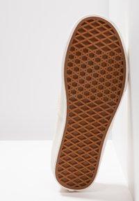 Vans - AUTHENTIC - Sneakers basse - spanish villa/snow white - 6