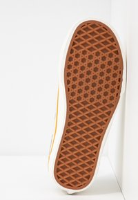 Vans - LEILA HURST STYLE DECON - Baskets basses - beige - 6