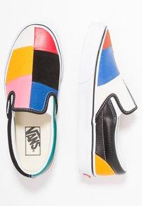 Vans - CLASSIC - Slipper - multicolor/true white - 3