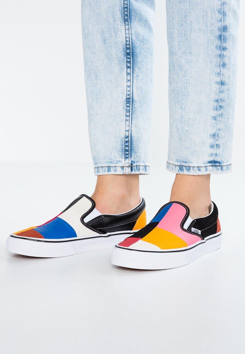 Vans - CLASSIC - Slipper - multicolor/true white
