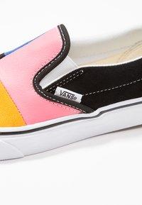 Vans - CLASSIC - Slipper - multicolor/true white - 2