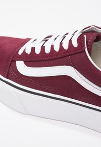 Vans - OLD SKOOL PLATFORM - Sneakers basse - port royale/true white - 9