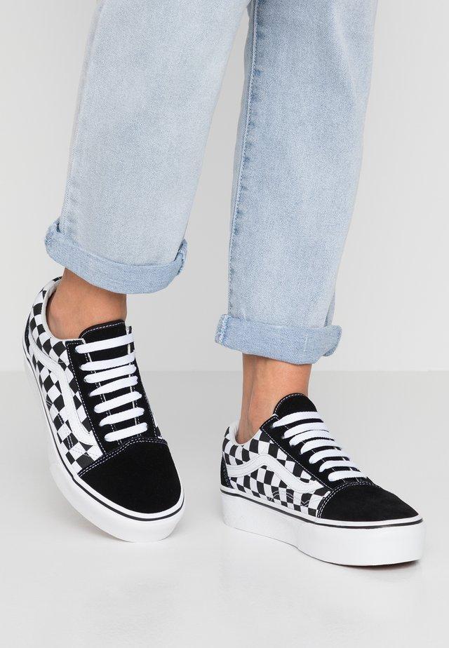 OLD SKOOL PLATFORM - Sneakers laag - black/white