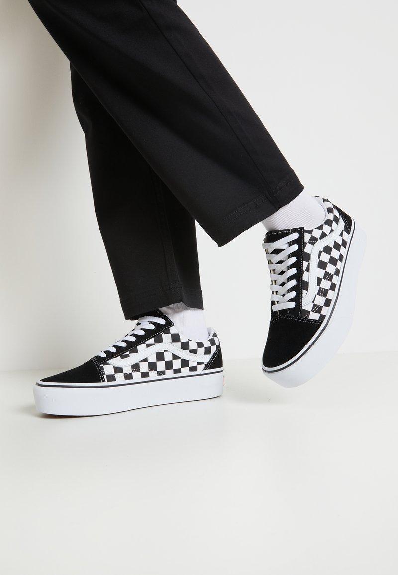 Vans - OLD SKOOL PLATFORM - Sneakers basse - black/white