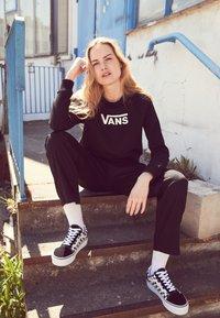 Vans - OLD SKOOL PLATFORM - Sneakers basse - black/white - 3
