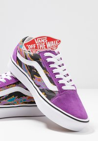 Vans - COMFYCUSH OLD SKOOL - Joggesko - dewberry - 7