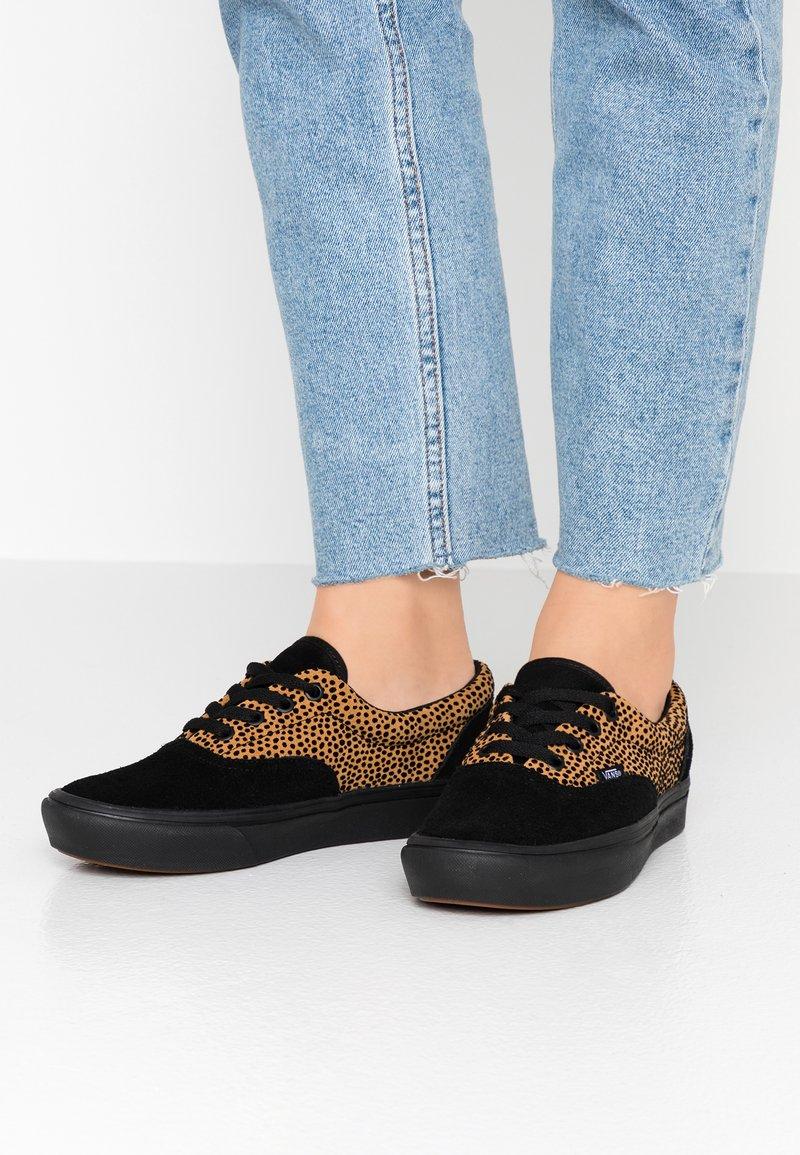 Vans - COMFYCUSH ERA - Sneaker low - black
