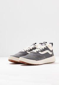 Vans - ULTRARANGE - Sneakers laag - quiet shade/marshmallow - 4
