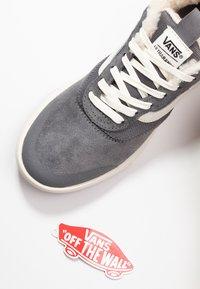 Vans - ULTRARANGE - Sneakers laag - quiet shade/marshmallow - 7