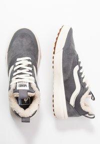 Vans - ULTRARANGE - Sneakers laag - quiet shade/marshmallow - 3