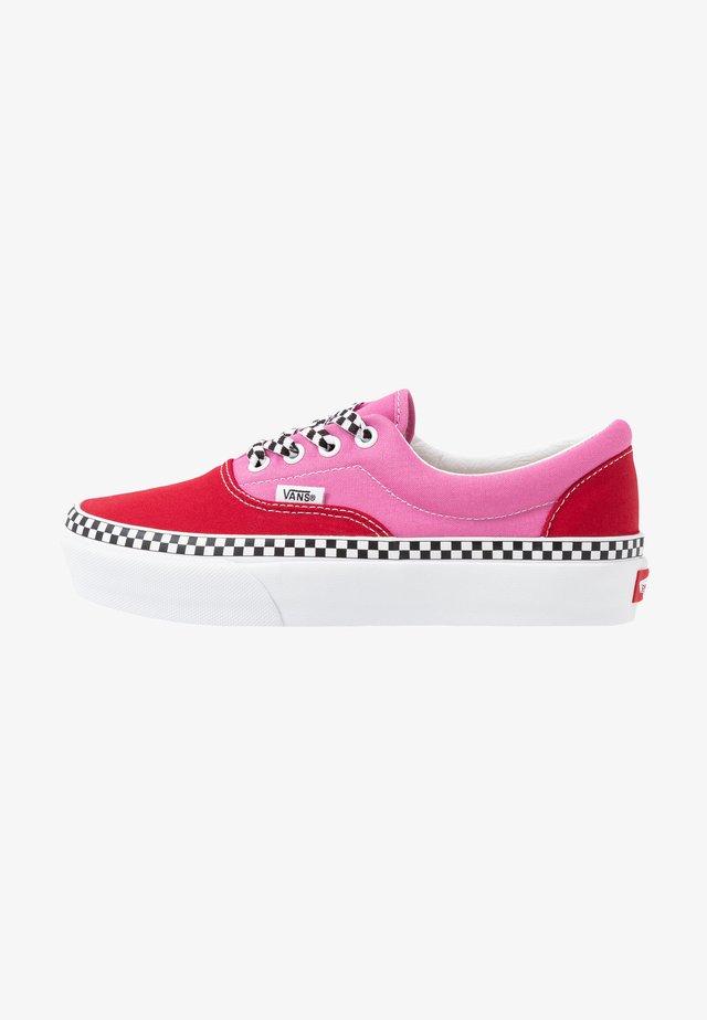 ERA PLATFORM - Sneakers basse - chili pepper/fuchsia pink