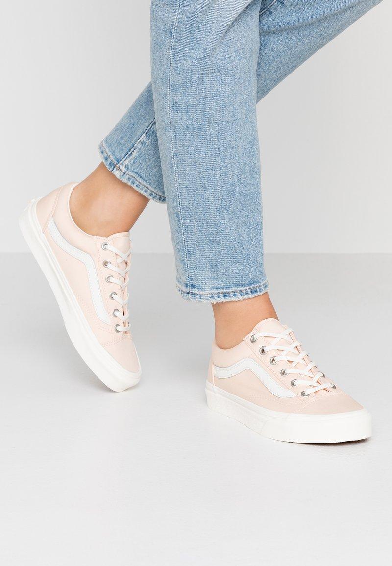Vans - STYLE 36 - Sneaker low - rose