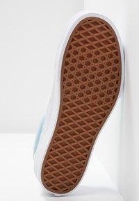 Vans - CLASSIC - Slip-ons - marshmallow/cool blue/true white - 6