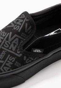 Vans - CLASSIC - Slip-ons - black - 2