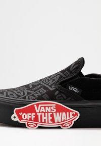 Vans - CLASSIC - Slip-ons - black - 7