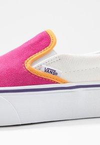 Vans - CLASSIC - Slip-ons - multicolor/true white - 2
