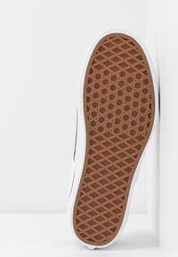 Vans - CLASSIC - Slip-ons - multicolor/true white - 6