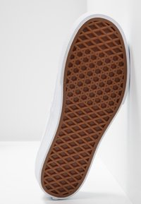 Vans - AUTHENTIC PLATFORM - Skate shoes - gray lilac/marshmallow/true white - 6