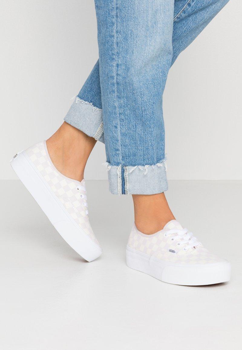 Vans - AUTHENTIC PLATFORM - Skate shoes - gray lilac/marshmallow/true white