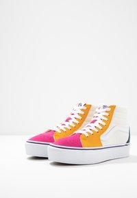 Vans - SK8 PLATFORM  - Zapatillas altas - multicolor/true white - 4