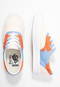 Vans - COMFYCUSH ERA INES - Sneaker low - eggnog/marrakech/true white - 3