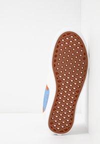 Vans - COMFYCUSH ERA INES - Sneaker low - eggnog/marrakech/true white - 6
