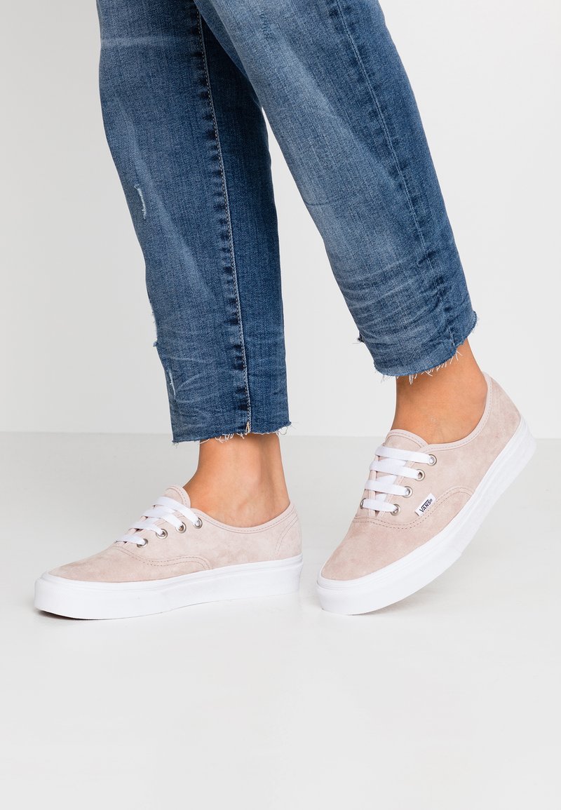 Vans - AUTHENTIC - Sneakers laag - shadow gray/true white