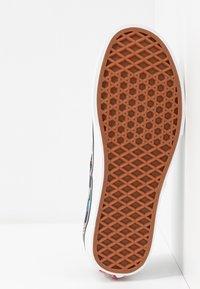 Vans - AUTHENTIC - Zapatillas - iridescent check/black/true white - 6