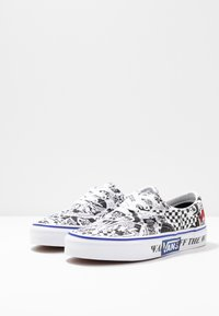 Vans - ERA - Sneakersy niskie - white/true white - 4