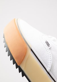 Vans - ERA STACKED - Sneaker low - white - 2