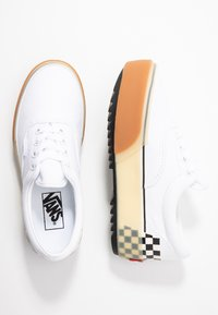 Vans - ERA STACKED - Sneaker low - white - 3