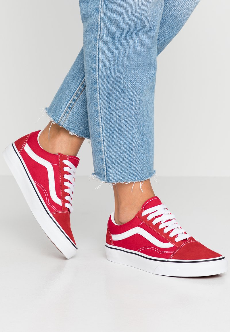 Vans - OLD SKOOL - Sneakers laag - racing red/true white