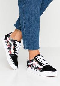 Vans - OLD SKOOL - Sneaker low - black/true white - 0