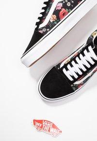 Vans - OLD SKOOL - Sneaker low - black/true white - 7
