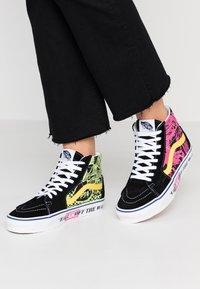 Vans - High-top trainers - azalea pink/true white - 0