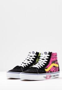 Vans - High-top trainers - azalea pink/true white - 4