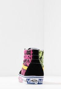 Vans - High-top trainers - azalea pink/true white - 5