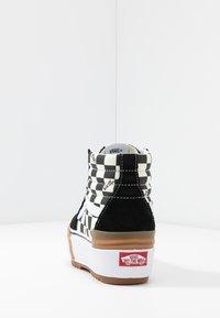 Vans - SK8 STACKED - Zapatillas altas - multicolor/true white - 7