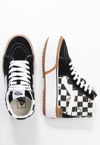 Vans - SK8 STACKED - Zapatillas altas - multicolor/true white - 5