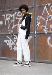 Vans - SK8 STACKED - Zapatillas altas - multicolor/true white - 3