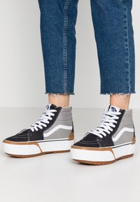 Vans - SK8 STACKED - High-top trainers - drizzle/true white - 0