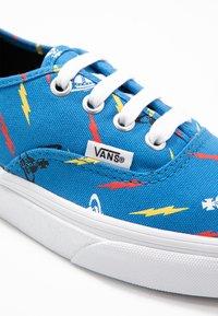 Vans - AUTHENTIC X VIVIENNE WESTWOOD - Sneakers - thunderbolt orbs/true white - 2