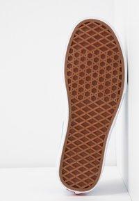 Vans - AUTHENTIC X VIVIENNE WESTWOOD - Sneakers - thunderbolt orbs/true white - 8