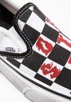 Vans - UA CLASSIC SLIP ON VIVIENNE WESTWOOD - Slip-ons - true white